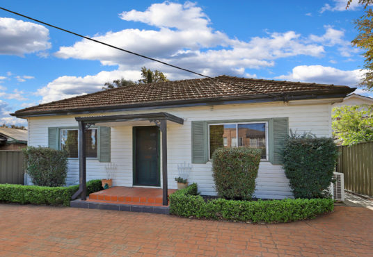 for sale quakers hill